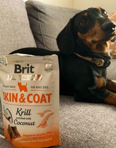 Funkčné maškrty Brit Care Dog Skin & Coat Krill 150 g recenzia skúsenosti